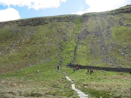 The steep ascent to Ingleborough.jpg